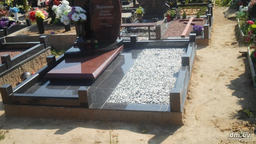 Благоустройство могил щебнем